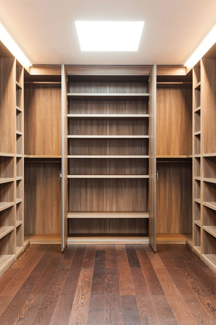 Internal compartments of wardrobe