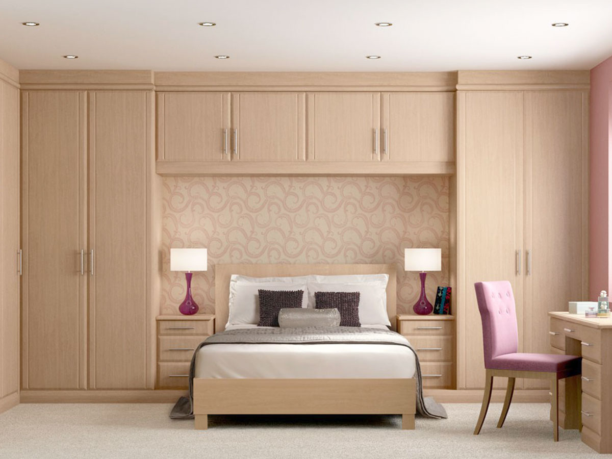 Classic built-in wardrobes with bed